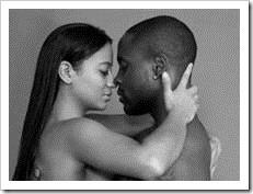 couple-embracing